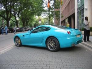 ferrari-turquoise